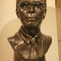 My Grandfather / sculpture, 2007<br/> h 230 x 230 x 180 mm / bronze<br/> the bust of my most revered grandfather.
