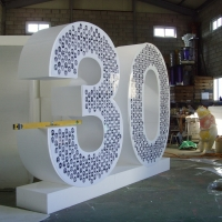 Thirty<br/>h 3000 x 800 x 4000 mm / urethane, Styrofoam, steel, mixed media / 2009