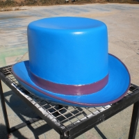 Fedora<br/>h 800 x 1400 x 1450 mm / urethane, Styrofoam, mixed media / 2010
