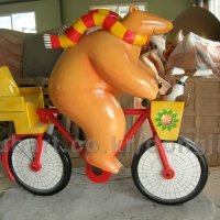 Bear on Bicycle<br/>h 1800 x 2000 x 800 mm / fiber reinforced plastics, steel / 2011