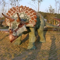 Dinosaur 2<br/>h 2200 x 3600 x 1600 mm / fiber reinforced plastics, steel / 2010